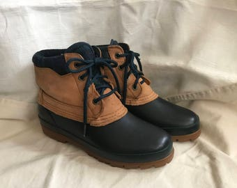 Bass Duck Boots Womens Sz 8-8.5/Tan Leather Navy Blue Rubber/Waterproof/Hiking/Camping/Winter/Snow/Ice/Outdoors/1980s 90s/Mud/Rain/Lace Up