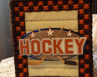 Hockey -  Father's Day - Tissue box cover - handmade - plastic canvas - boutique size