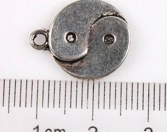 YING & YANG medal - Charm pendant-15 mm's.