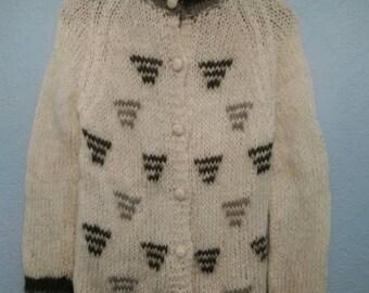 Cream and Green Mohair Wool Sweater Cardigan S M B40 Vintage 60s Novelty 38
