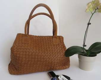 Camel leather Tote, valentine's day gift,  Large tote, every day use, women bag, elegant bag,  classic bag, leather