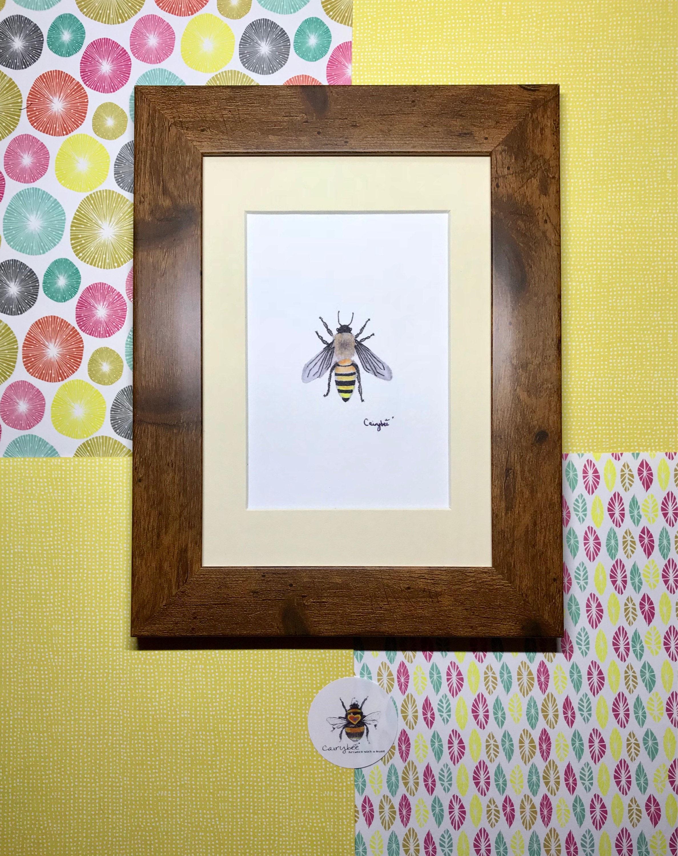 Honigbiene Art Print gerahmt rustikalen Rahmen