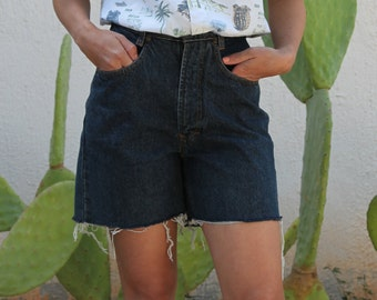 Dark blue vintage Western cut jeans denim high waist shorts.size 28
