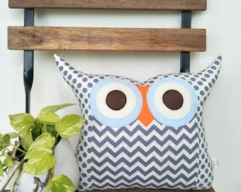 Large size grey zig zag Owl pillow /  grey blue /home decor /living room decoration/ owl decoration/express shipping