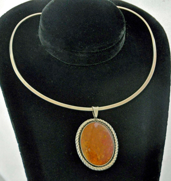 Vintage 1970s Opaque CABOCHON AUTUMN JASPER Oval Mexican Pendant Set In Mexican Sterling Silver On A 925 Silver Torque Choker (No Clasp)