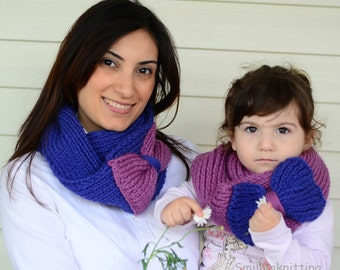 Mother and Daughter  Gift, Infinity Scarf, Mothers Day Gift, Set of 2, Chunky Cowl, Neck Warmer, Cobalt Blue and Pink