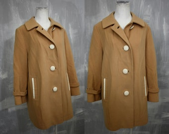 Caramel + Cream | Vintage Susan Lynn Beige Wool Car Coat with Ivory Faux Leather Trim | Mod 1960s | Womens Med Lg | Bust 36 | Made in USA