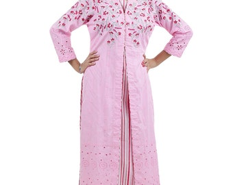 A pink classic modernist kurta with full handcrafted embroidery and a lovely lacy pattern In the sleeves.