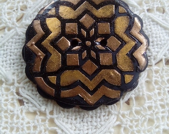Round gold and black polymer clay button, handmade button, unique button, sewing, knitting, paper crafts, focal button, patterned button