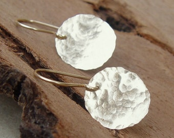 Gold Disc Earrings, Gold Earrings, Simple Gold Earrings, Gold Filled Earrings, Gold Jewelry, Minimalist Jewelry, Hammered Gold Earrings