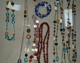 Various stone bead necklace / bracelet lot