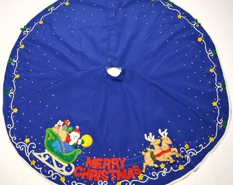 "Hand made Bucilla felt applique blue Merry Christmas tree skirt Santa, reindeer, sleigh 56"" diameter~finished"