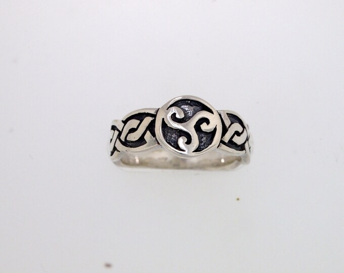 Triskele Knotwork Ring in Sterling Silver