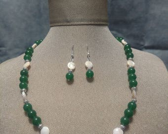 Green Adventurine with Mother of Pearl