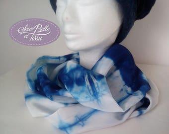 Snood en soie blanc et bleu, double col peint sur soie,foulard étole unique peint à la main, cadeau en soie pour elle