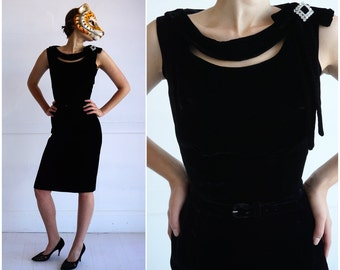Stunning Vintage 50's Black Velvet Sleeveless Wiggle Dress w/ Peekaboo Neckline and Rhinestone/Bow at Shoulder | XS/Small