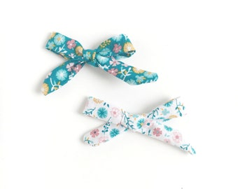 Twin Hand Tied Baby Bows