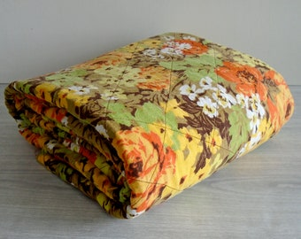quilted throw, vintage cotton throw blanket or tablecloth, vintage tablecloth, vintage floral blanket, vintage quilt, vintage small quilt