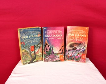 The Lord Of The Rings Trilogy Vintage Paperback Books. Lord Of The Rings Book Collection. 1960s JRR Tolkien Lord Of The Rings Book Gift Set