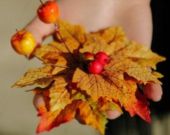 Autumn leaf pin