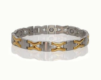 Zaniah Gold Star light bracelet