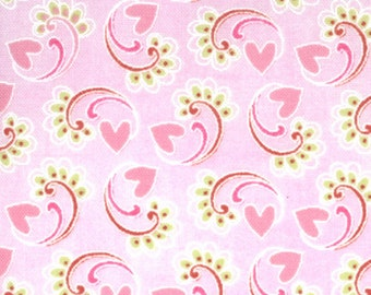 Kissing Booth 1 &1/ 2 Yard Remnant 30313-13 Light Pink