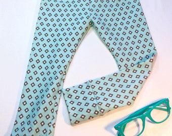 RTS 2/3T Diamonds on Mint jersey knit LEGGINGS