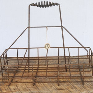 Vintage Wire Milk Bottle Oil Carrier 8 Slot with Coiled Handled The George Worthington Company Cleveland Ohio