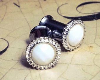 White Vintage-Styled Plugs, gauges  6g, 4g, 2g, 0g