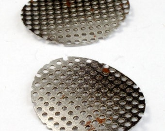 25mm Steel Perforated Oval (4 Pcs) #2651
