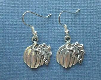 Pumpkin Earrings - Dangle Earrings - Halloween Earrings - Fall - Fall Earrings - Fall Jewelry - Earrings - Holiday Earring -E120