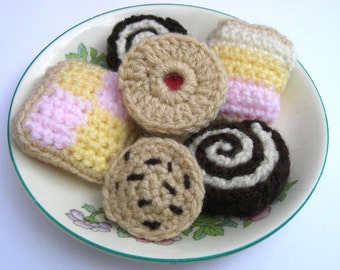 Crochet Pattern for Cakes Biscuits & Cookies Jammy Dodger Swiss Roll Battenberg Angel Cake