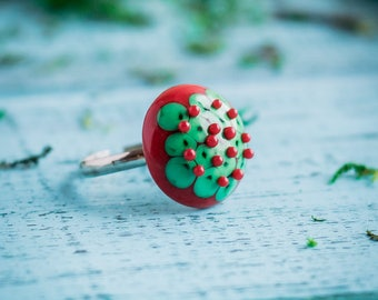 Christmas ring_adjustable size_artisan lampwork_dotted pattern_red green ring_polka dot_coworker gift_red green dots_traditional Christmas