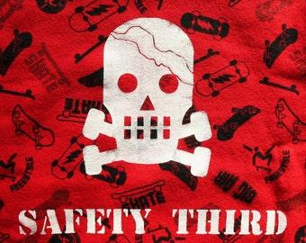 Boys SAFETY THIRD Sweatshirt Cracked Skull shirt skateboards Toddler 3T only kids children clothing boys sweatshirt holiday colors under25