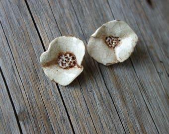 Ceramic connectors -pendant Flowers
