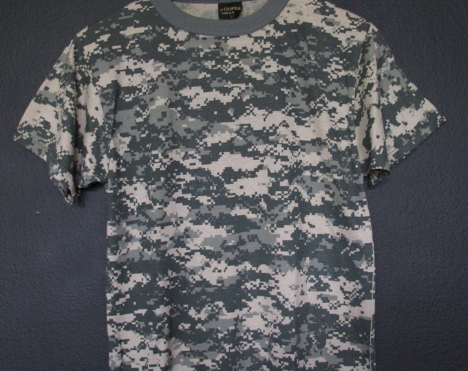 Camouflage Army Combat Digital Camo vintage Tshirt
