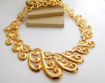 Vintage Napier Polished Yellow Gold Tone Scroll Choker Necklace F45