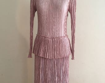 Stunning 1980 crepe dress.