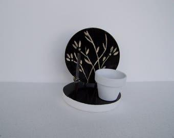 Memo holder etched white flower card