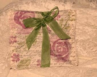 French Vintage Handmade 100% Organic Lavender Sachet French Script (Sachet006)