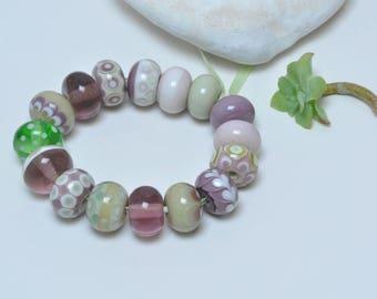Spring Lilac - Artisan lampwork beads by Loupiac