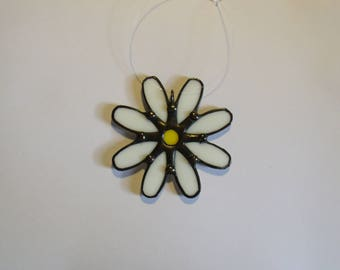 Stained Glass Daisy Ornament, Daisy Sun Catcher, Glass Daisies, Christmas Gift