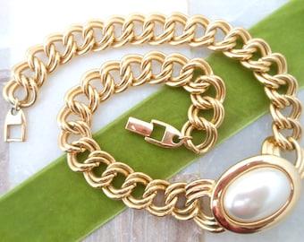 Vintage NAPIER NECKLACE Designer Signed Gold Tone Pendant Chunky Chain Faux Pearl Choker Collar Modernist Gift Classic Elegant, VivianJoel