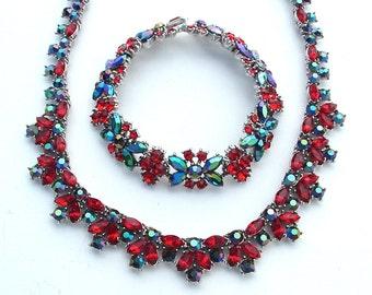 TRIFARI Party Ruby Red Strass Bib Art-Deco Stil Halskette Ohrringe Navy schwarz Aurora Borealis Designer Schmuck-Set