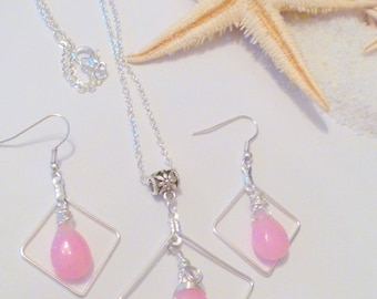 Pink Jade Wire Wrapped Briolette Pendant and Earrings Set