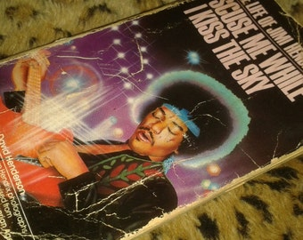 Jimi Hendrix Vintage Paperback Novel Collectible Rock Legend Icon Excuse me while I kiss the sky biography Book, 1960's Rock Music, Mod Era