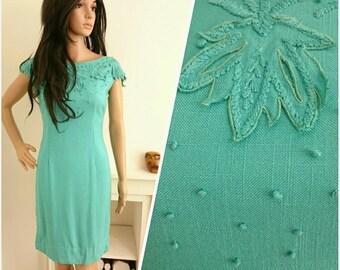 Vintage 1950s 60s Green Embroidered Appliqué Leaf Linen Shift Wiggle Dress 50s / UK 8 / EU 36 / US 4