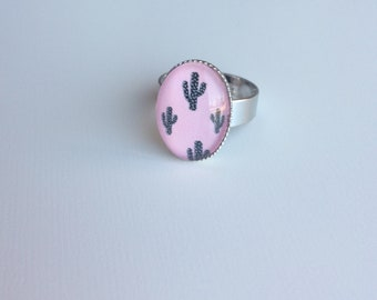 Adjustable silver ring oval cabochon pink cactus