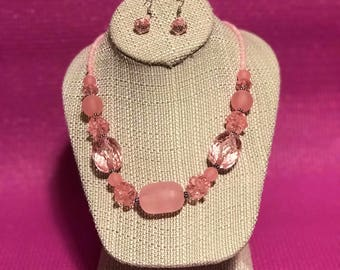 Pink chunky beaded necklace set