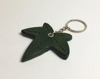 Leather keychain. Ivy Leaf.